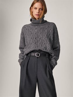 Clothing, Shoes & Accessories offers in the Massimo Dutti catalogue ( 9 days left )